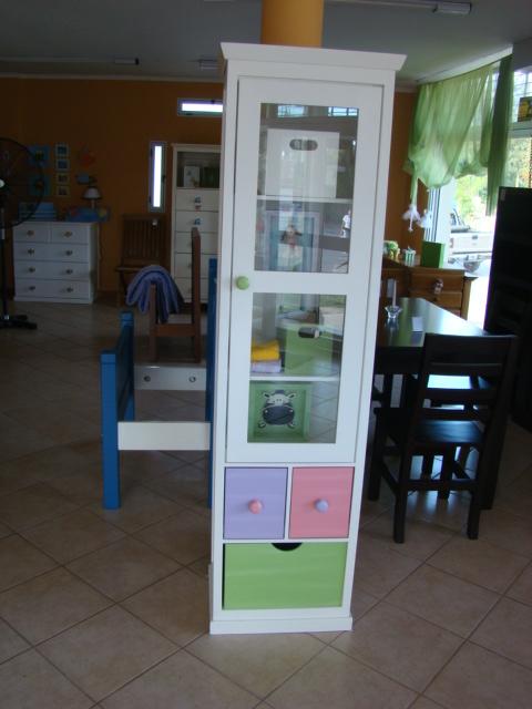 Muebles infantiles biblioteca con puerta y cajones for Muebles infantiles precios