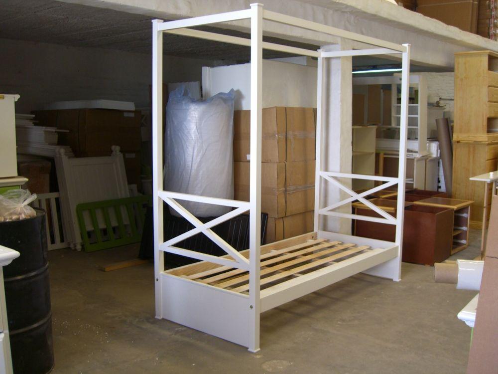 Camas divanes juveniles ideas de disenos for Modelos de divanes