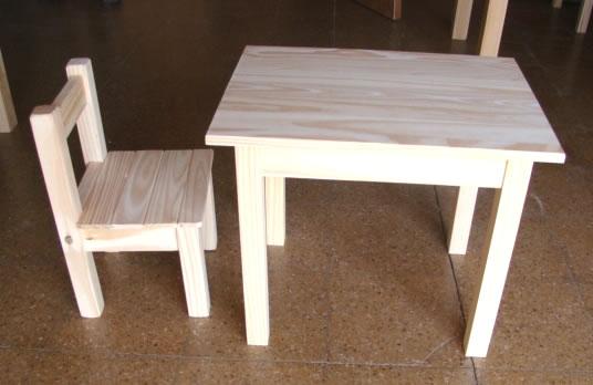 Muebles Infantiles - Juego de mesita y 1 sillita en pino para niños