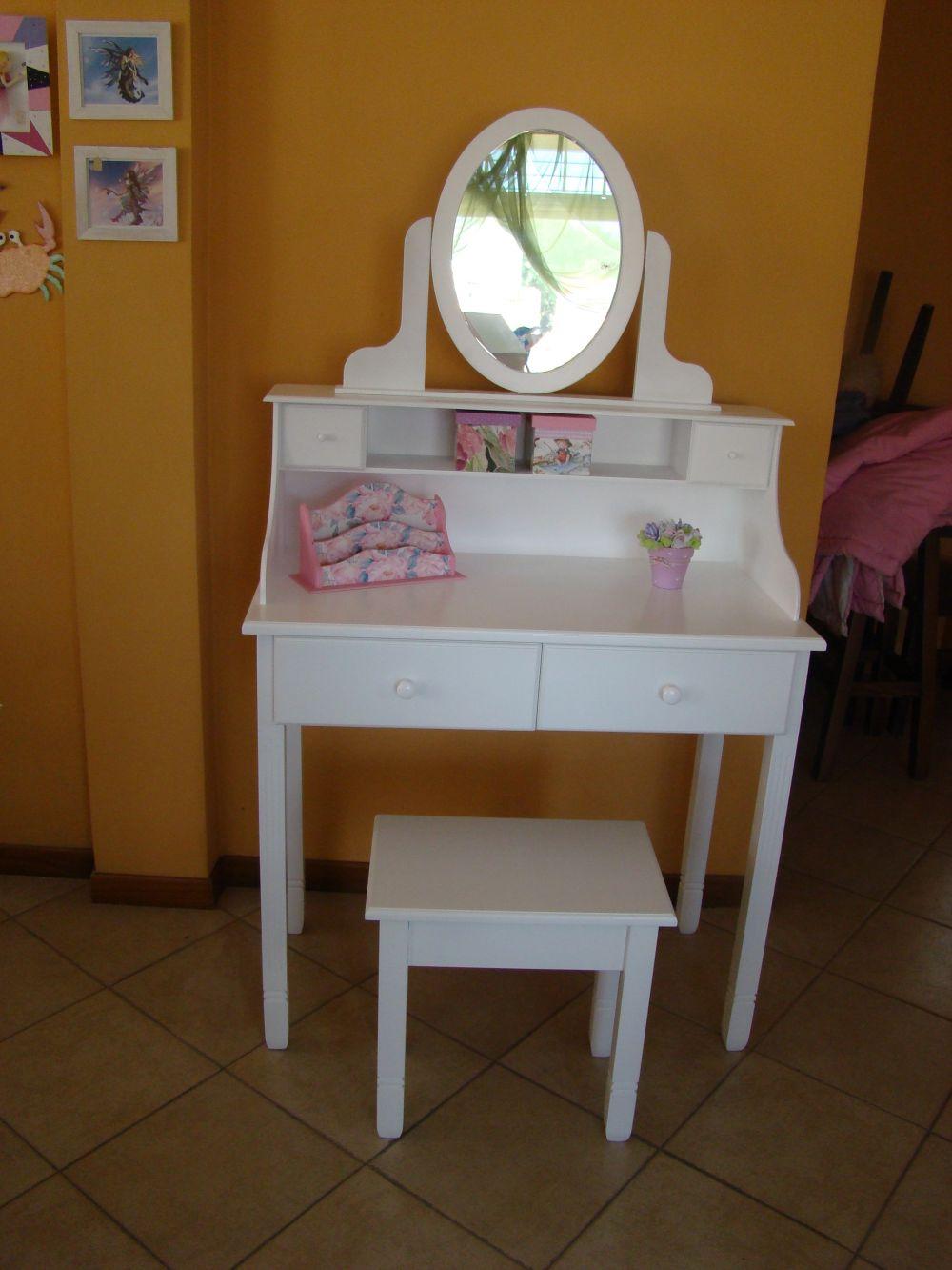 Muebles infantiles escritorio secreter con portaespejo for Muebles infantiles precios
