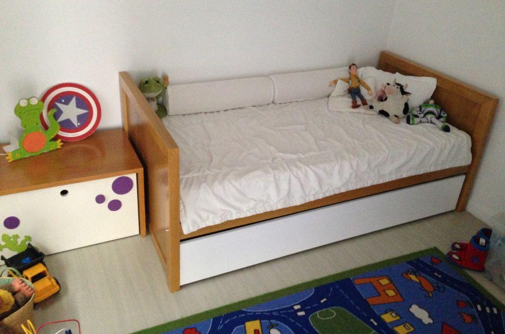 Muebles Infantiles- Diván cama modelo asia con carro ( Lustrado )