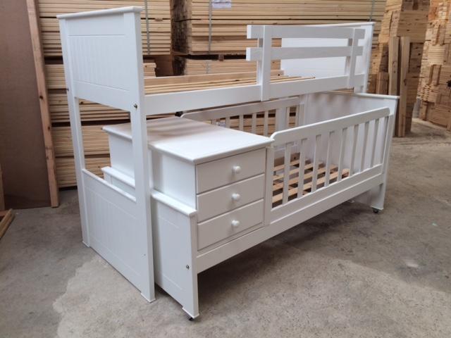 Muebles infantiles cuna funcional con cama superpuesta for Cama funcional