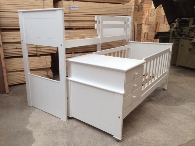 Muebles infantiles cama superpuesta con cuna funcional for Cama funcional